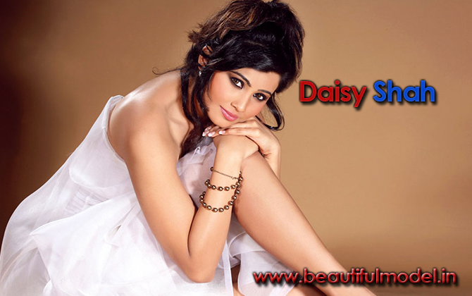 Daisy Shah Measurements Height Weight